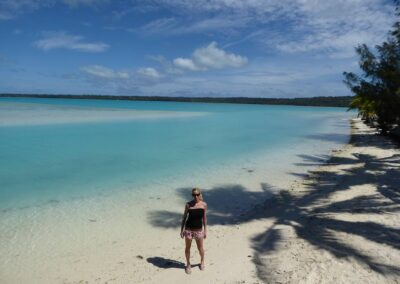 Rachelle Ginsberg With A Beautiful White Beach Background At Cook Islands